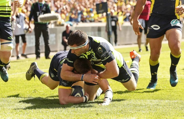 David Strettle scores his sides second try