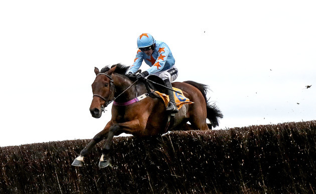 Un De Sceaux ridden by Ruby Walsh comes home to win