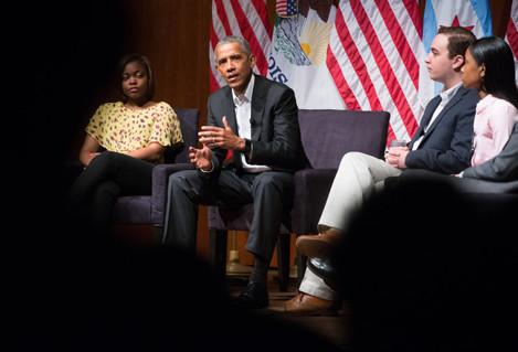 Barack Obama speaks at University of Chicago