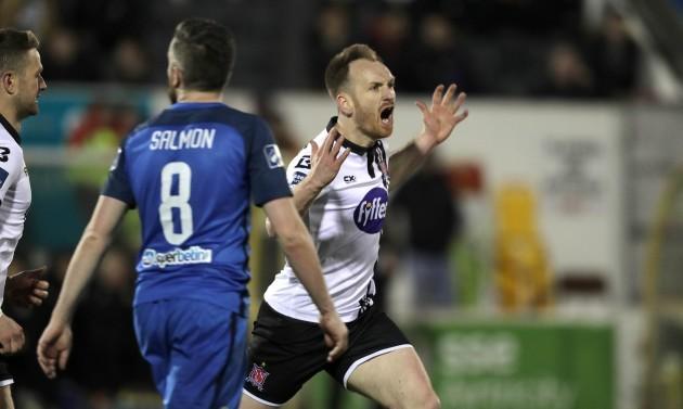 Stephen O'Donnell celebrates scoring a goal