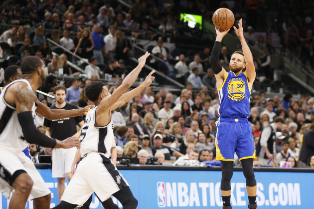 837e5ce620f Curry eclipses Kobe as Warriors complete sweep against Spurs · The42