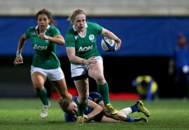 Niamh Briggs makes a break