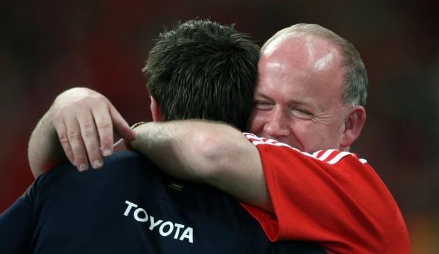 Declan Kidney embraces Ian Dowling