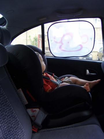 Forward-facing car seat for babies