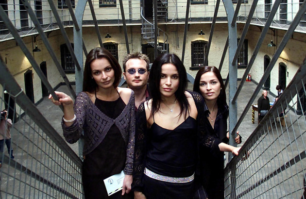 Amnesty International - The Corrs - 2000