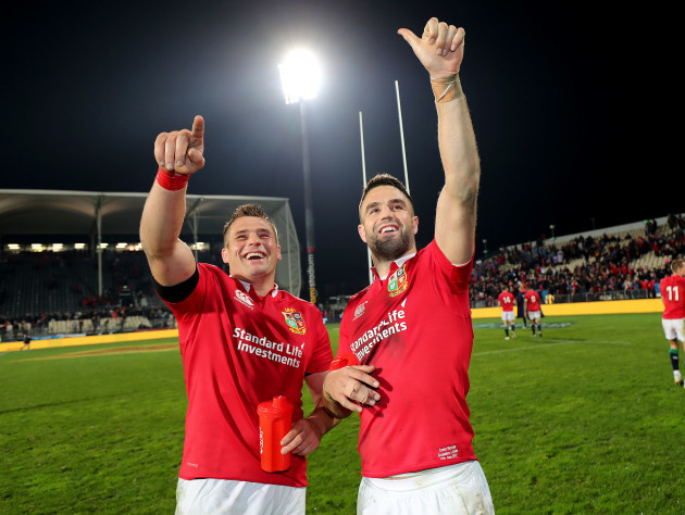 CJ Stander and Conor Murray celebrate winning