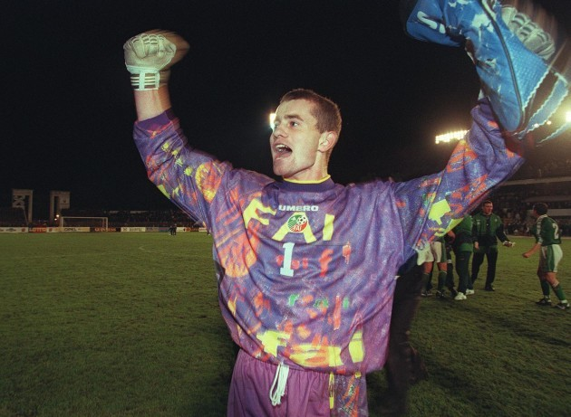 Shay Given celebrates victory over Lithuania 10/9/1997