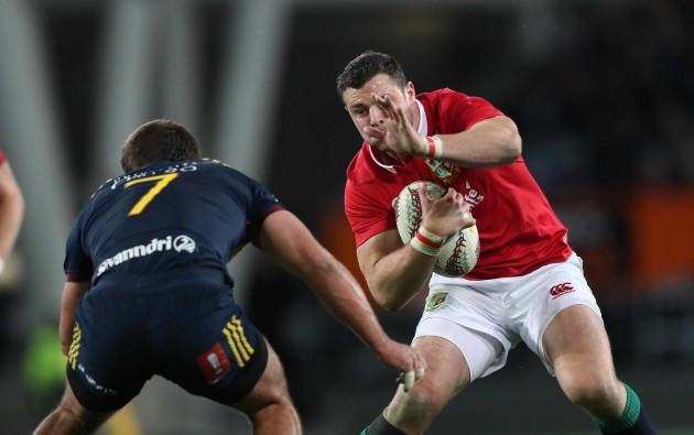 Robbie Henshaw with Dillon Hunt