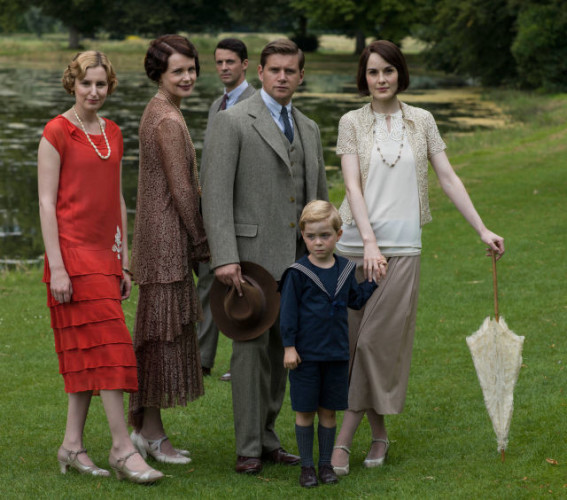 gallery-1450430120-tv-downton-abbey-christmas-2015-still-01