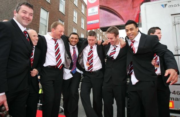 Ronan O'Gara, Tomas O'Leary and Lifeimi Mafi