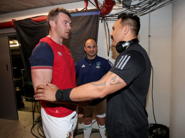 Peter O'Mahony and Ash Dixon with Jaco Peyper at the coin toss