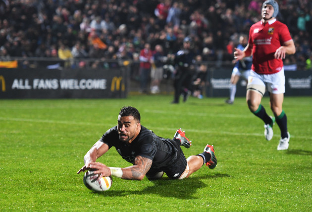 Liam Messam scores their first try