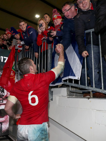 Peter O'Mahony celebrates winning with his dad