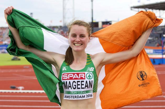 Ciara Mageean celebrates winning a bronze medal