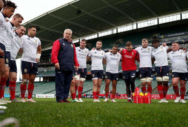 Warren Gatland talks to his players