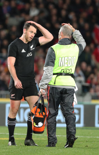 Ben Smith goes off for a concussion test