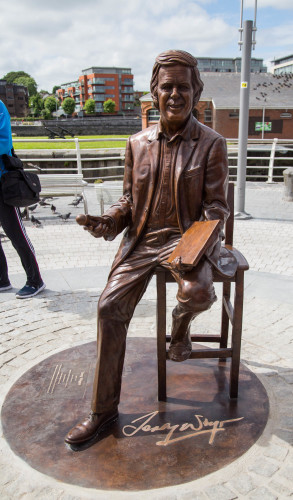 Terry Wogan Statue 010