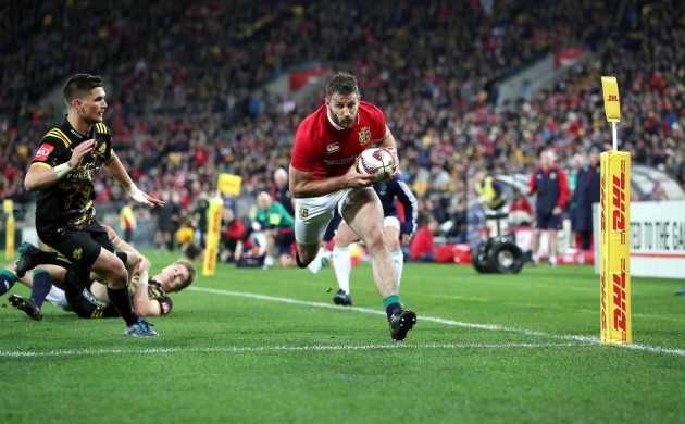 Tommy Seymour scores their third try