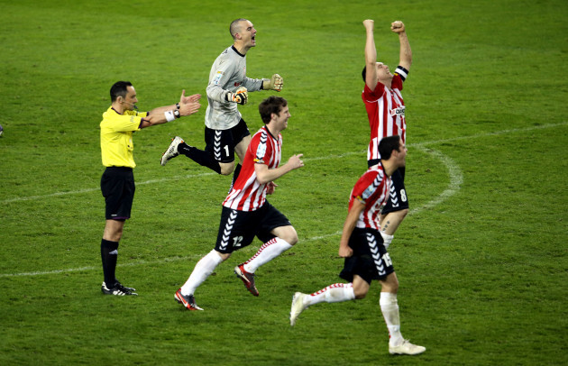 Ger Doherty and Derry City players celebrate