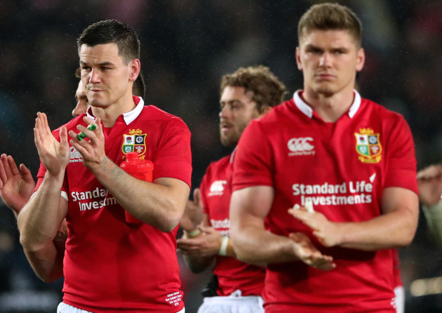 Jonathan Sexton and Owen Farrell dejected