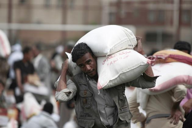 Aid distribution in Sanaa