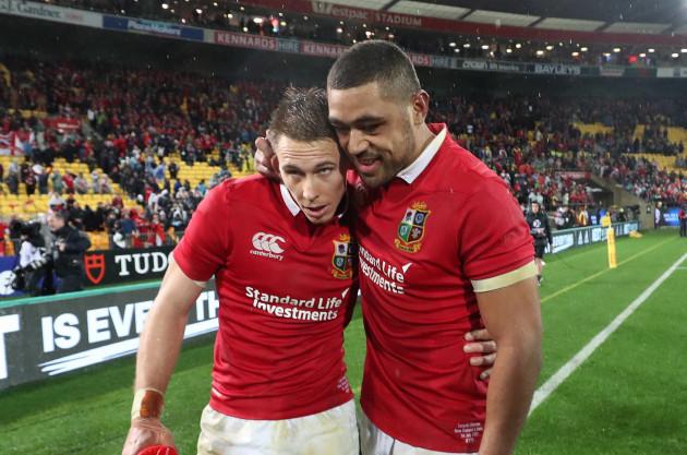 Liam Williams and Taulupe Faletau celebrate winning