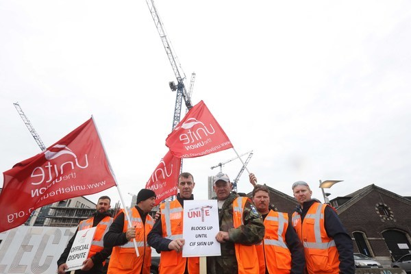 File Photo Trade union Unite, which represents 90% of crane operators in Ireland, today (Thursday 6 July) announced that it has served notice of industrial action on the Construction Industry Federation following a near unanimous vote by members to extend