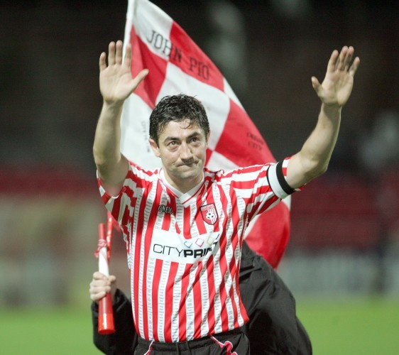 Peter Hutton leaving the pitch in his final home match for the club
