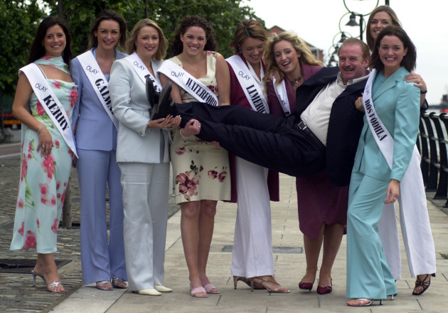 ROSE OF TRALEE CONTEST CONTESTANTS 2002