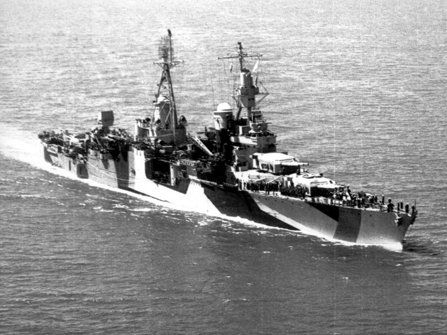 USS_Indianapolis_(CA-35)_underway_in_1944_(stbd)