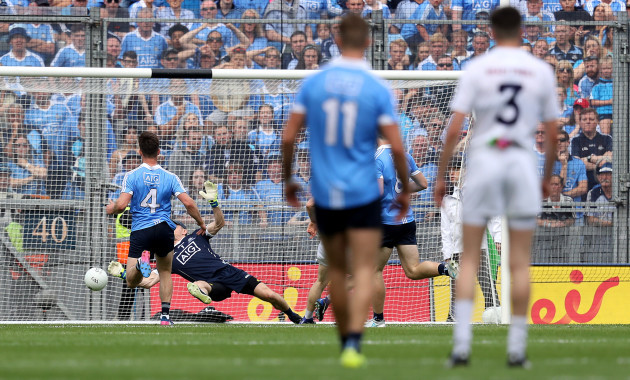 Stephen Cluxton makes a save from the shot by Daniel Flynn