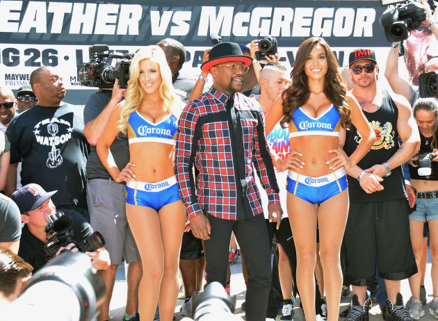 Floyd Mayweather jr vs Conor McGregor Arrival Day Event