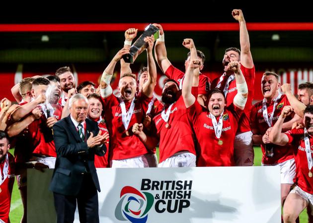 Cian Bohane lifts the trophy