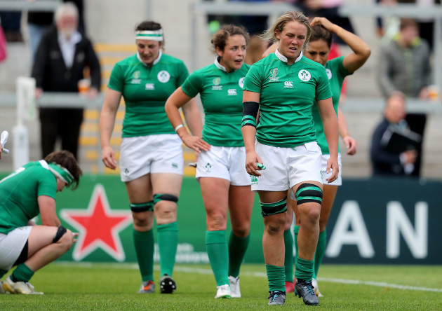 Ireland players dejected after Wales score a try