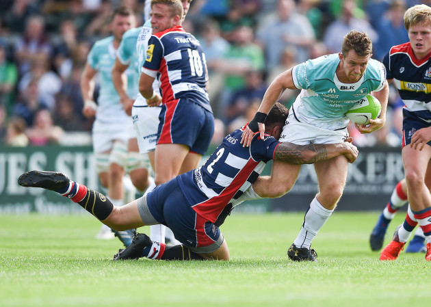 Mat Healy is tacked by Tusi Pisi