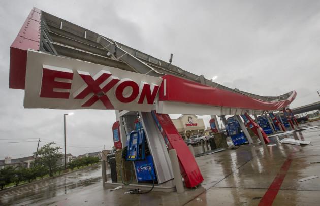Harvey inundates Southeast Texas
