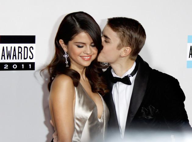 Selena Gomez Instagram Account Hacked, Hackers Posts