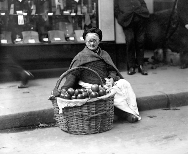 London Scenes - Street Hawkers & Sellers - Cheapside - 1923