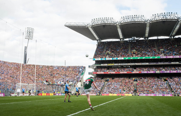 Cillian O'Connor misses a late free
