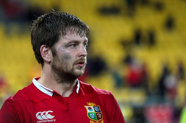 Iain Henderson dejected