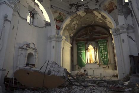 CORRECTION Mexico Earthquake