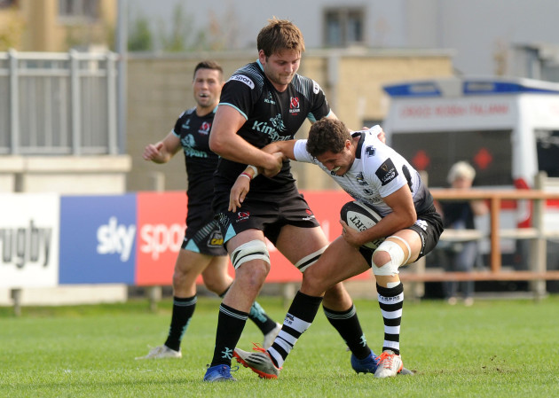Marcello Violi tackled by Iain Henderson