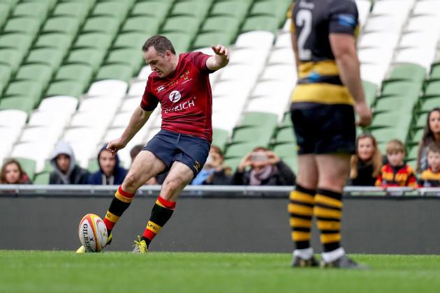 Scott Deasy kicks a conversion