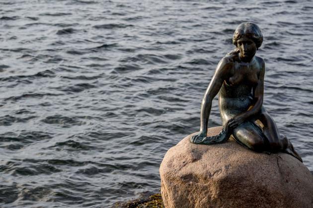 Facebook Censures Nude Statue Small Mermaid - Copenhagen