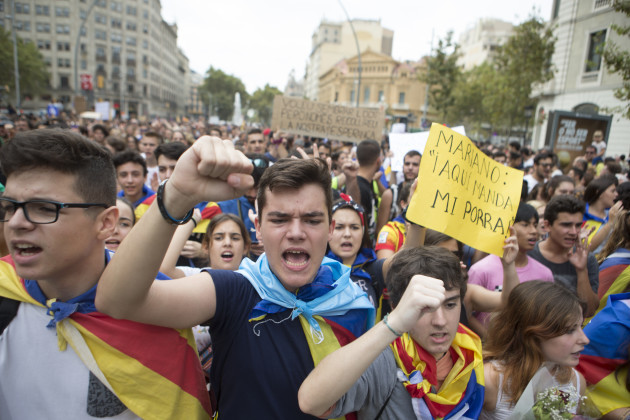 Spain: Catalans Take to Streets to Push Forward Independence Claim