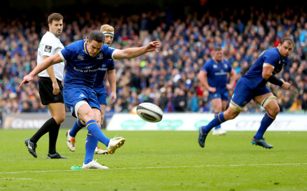 Johnny Sexton kicks a penalty to become the all time leading Leinster point scorer