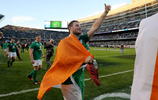 Robbie Henshaw celebrates winning