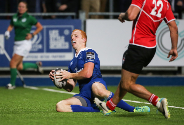 Darragh Fanning scores a try