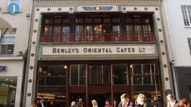 bewleys-outside