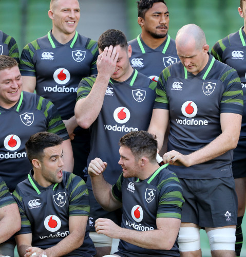 Andrew Conway, Bundee Aki, Tadhg Furlong, James Ryan, Devin Toner, Conor Murray and Peter O'Mahony during the team photo